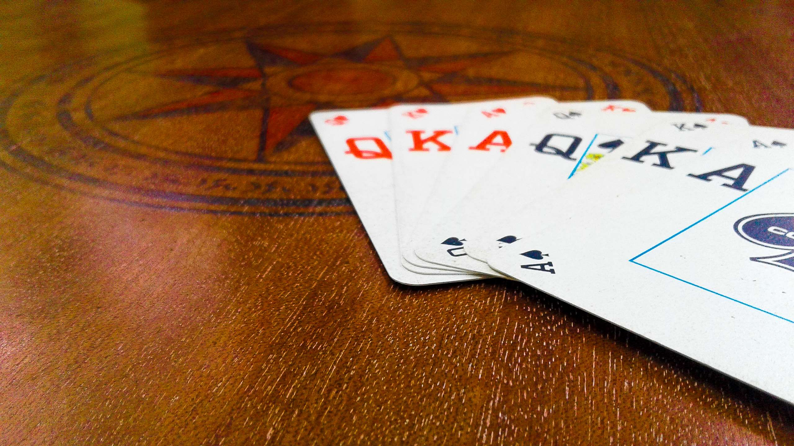 Common attributes of agen   poker online