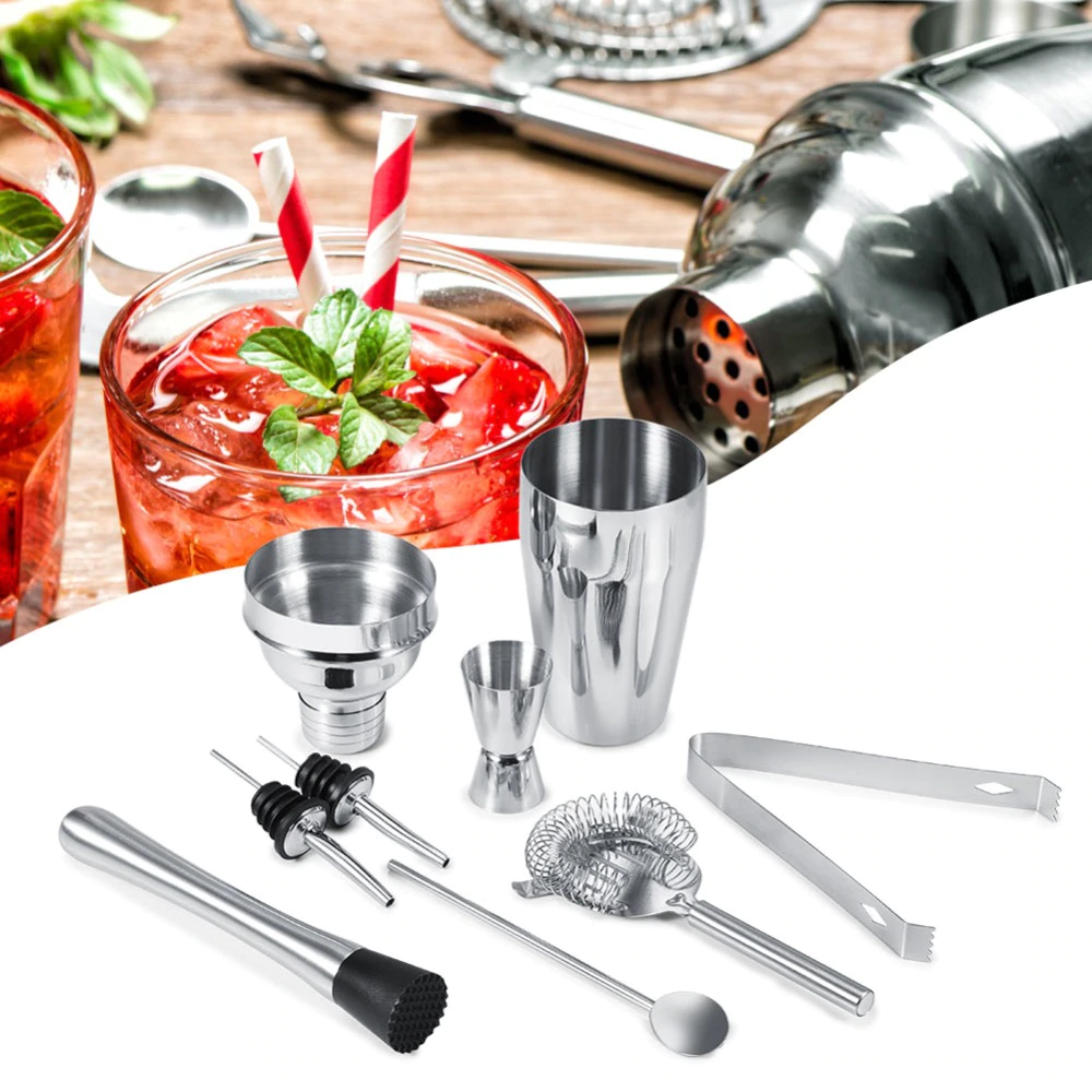 Expand your knowledge through the informative tools offered   by the bartender kit.