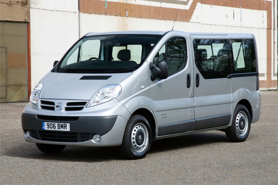 Book 9 Seater Hire and Get Ready for the Ride