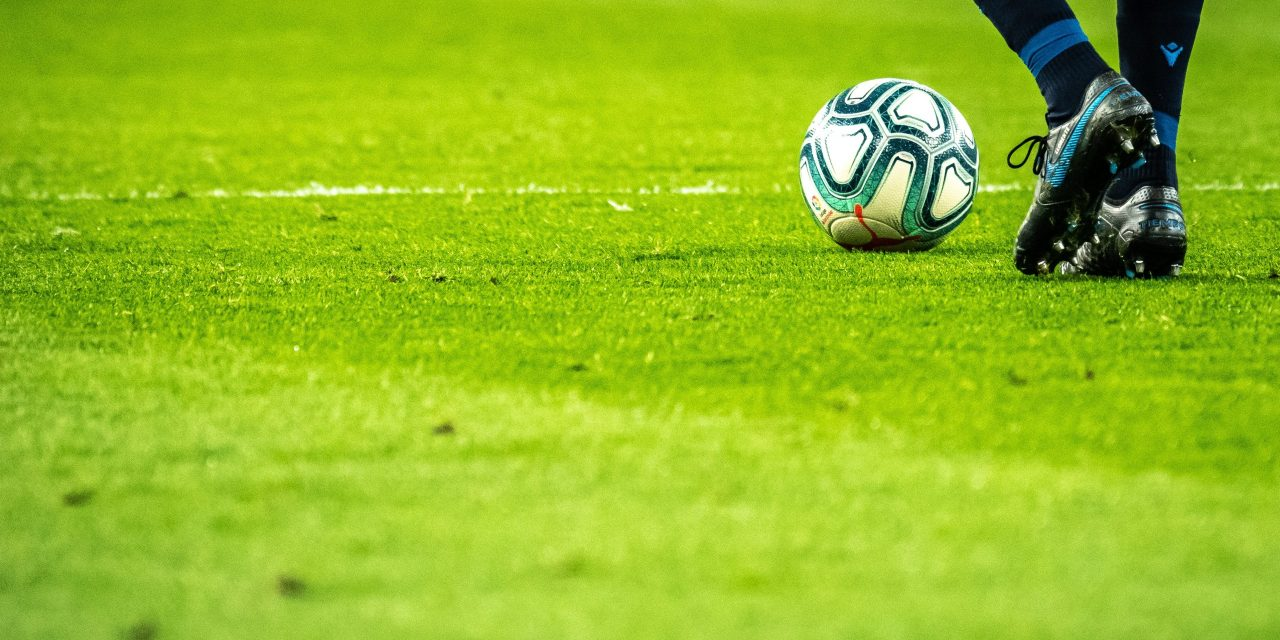 Here are some of the advantages of online football betting