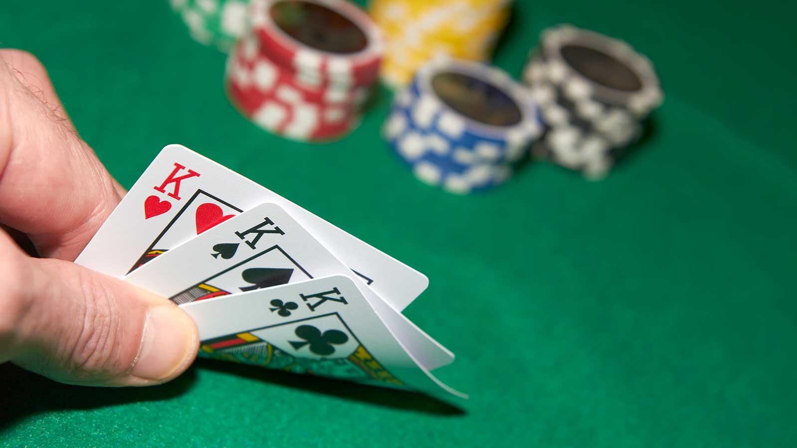 Online Poker – Strategy to Earn Money Online