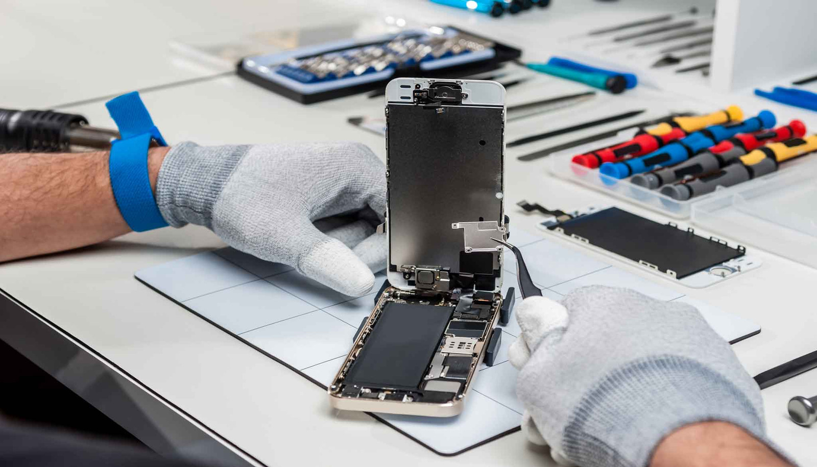 Why iPhone repair providers in necessary?